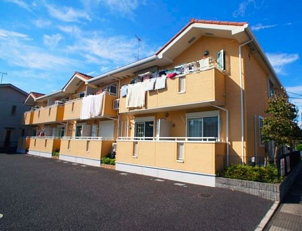 埼玉県鴻巣市すみれ野の賃貸アパートの外観