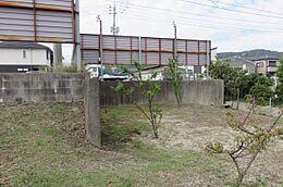 裏の敷地も約50坪