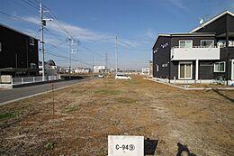 敷地中央部より北西方向を撮影。