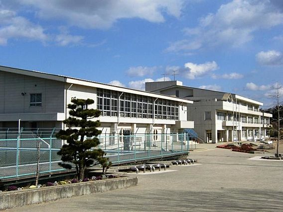 虹の丘小学校 ...