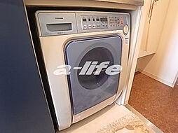 ウノ・アンビエンテ湊川のドラム式洗濯機付き