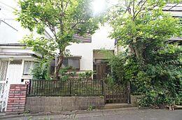 JR中央線「高尾」駅が最寄駅です。