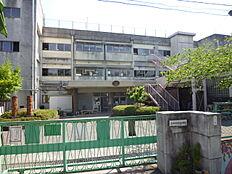 小学校立川市立 第七小学校まで197m