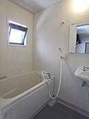賃貸部分の浴室です。2点ユニット トイレは別です。