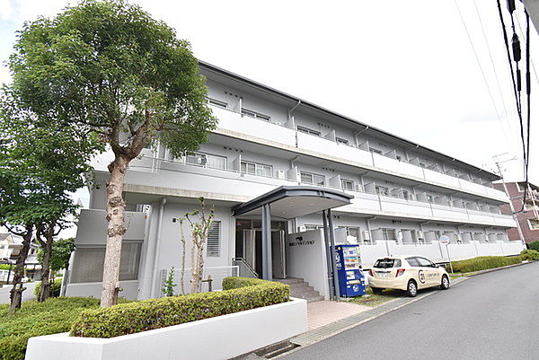 草津ロイヤルマンション[3階]の外観