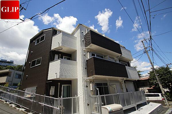 ラテ横浜[3階]の外観