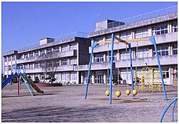 阿見町立阿見第二小学校(1239m)