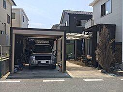 電動シャッター付ガレージがあるので大切なお車やアウトドア用品の収納に便利です。