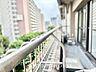 ◆青空テラス◆ベランダから望む紺碧の空からそよ風、そして目に映るのはグリーン広がる風光明媚な世界。それは清々しい自然の薫りを肌で感じる幸せな空間。,3LDK,面積54.96m2,価格3,788万円,東京メトロ副都心線 東新宿駅 徒歩3分,JR山手線 新大久保駅 徒歩13分,東京都新宿区大久保2丁目2-18