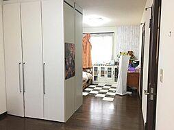 2階の洋室は部屋を分けて使うこともできます。
