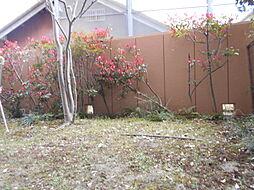 テラス面積10.64平米、専用庭面積26.70平米「月額使用料400円」