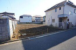 住環境に配慮された第一種低層住居専用地域で、閑静な住宅街です。
