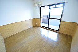 レ・コンフォルトの洋室