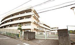 町田市立成瀬中央小学校(105m)
