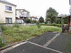 南側道路、東側緑地と通路ですので、風通しや日当たりも良い家が建てられます