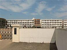かすみがうら市立下稲吉中学校(970m)