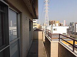 5階建の4階のお部屋ですので、日当り良好。眺望も気持ちがいいです。