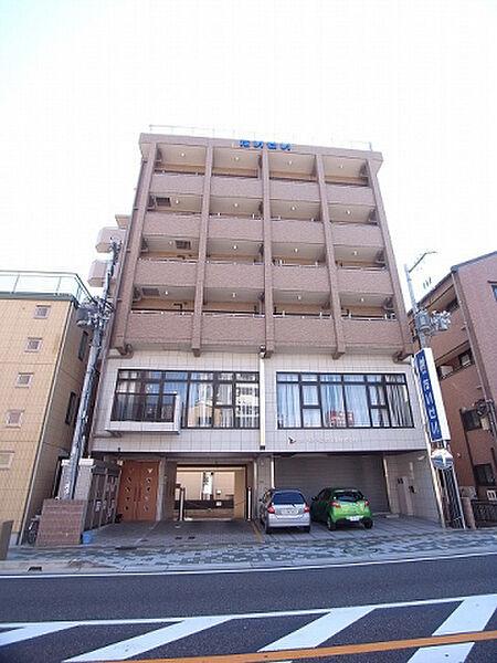 兵庫県川西市小花2丁目の賃貸マンションの外観