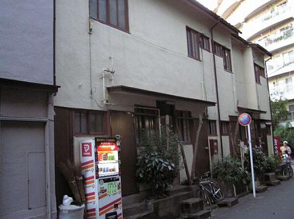 東京都中野区上高田4丁目の賃貸アパート