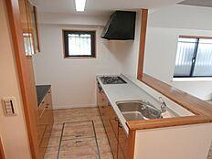 キッチンファニチャーも設置されているため収納力があります。