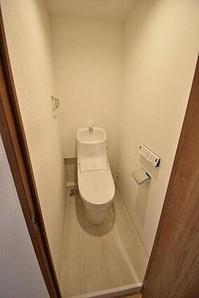 トイレ新規交換...