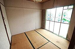 DKに隣接した居室 寝室としてもリビングとしても適しています