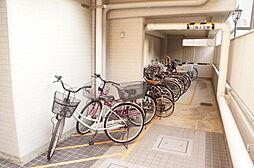 駐輪場(1200円/年)、バイク置き場(2400円/年)