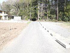 前面道路幅員約5mです。