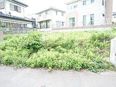 水戸市堀町 建築条件無し売地です。
