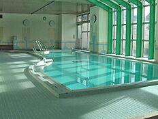 温水プール