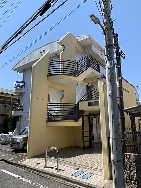東京都調布市国領町7丁目の賃貸マンションの外観