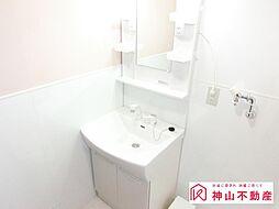 シャワー付き洗面台に新品交換。