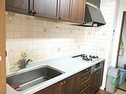 十分な広さがあり使いやすいキッチン