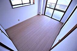 上田マンションの洋室1