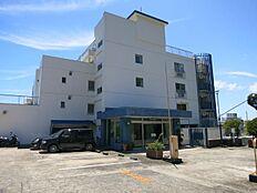 7階部分が正面玄関となります。駐車場の月極6,625円(空きはその都度ご確認となります。)