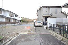 京王線「南平駅」まで徒歩12分、142m2以上のゆとりある敷地面積