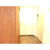 収納完備したマンションです。