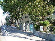 小学校日方小学校まで622m
