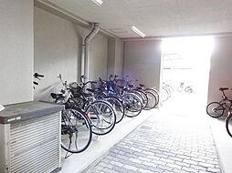 もちろん駐輪場付き屋根もございます
