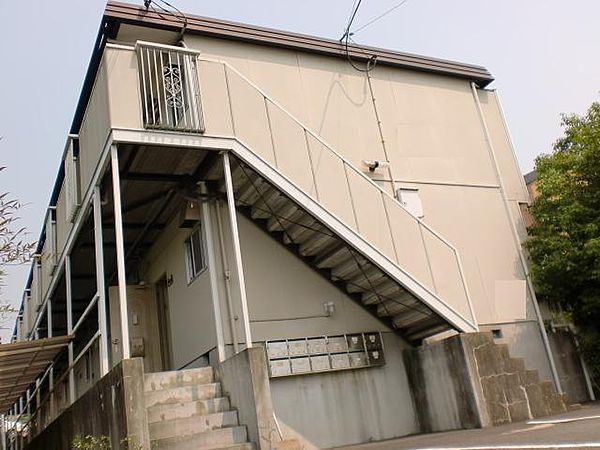 京都府京都市伏見区深草大亀谷西久宝寺町の賃貸アパートの外観
