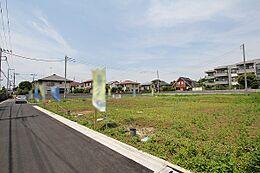 始発駅より徒歩6分の立地が魅力。第一種低層の全13区画につき住環境良好です。
