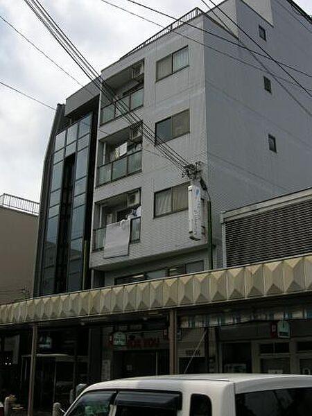 京都府京都市上京区滝ケ鼻町の賃貸マンションの外観