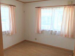 2階洋室には全室クローゼットが付いております。
