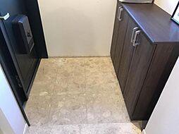 玄関収納家族みんなの靴がしっかり保管できる収納スペース。玄関がいつでもスッキリ片付きますね(^^)