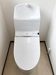 トイレは一階二階ともに交換済みです。