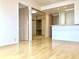 居間(14畳以上の広々リビングでゆったりと生活いただけます。LDKには床暖房付きで冬場でも安心です。)