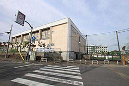 町田市立町田第二中学校まで約846m