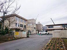 中学校水戸市立見川中学校まで1009m
