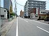 前面道路です。お散歩もしやすい通りです。(2020年8月撮影),3LDK,面積74.12m2,価格980万円,JR常磐線 水戸駅 徒歩23分,JR常磐線 水戸駅 バス6分 泉町三丁目下車 徒歩4分,茨城県水戸市五軒町2丁目
