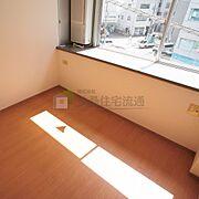 お部屋探しは、地域密着の扶桑住宅流通にお任せください。事前にご予約を頂ければ、24時間ご案内可能です。大阪市内の主要駅・伊丹空港までのお迎えサービスもあります。お気軽にお問い合わせください。